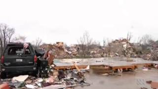 Three reported dead as 60 tornados hit mid western America Thumbnail