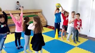Урок фіз.виховання у школі ThinkGlobal (Чайка).