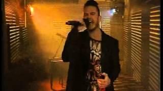 Daniel Baron performs