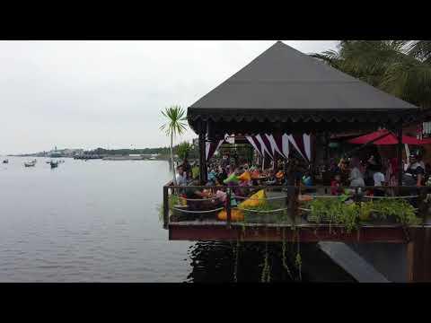 tempat-nongkrong-terbaru-di-banyuwangi-(sun-osing-beach)