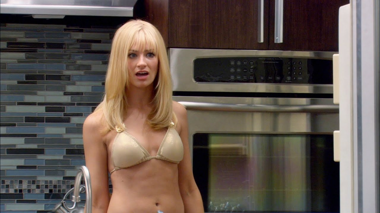 Sexy beth behrs Beth Behrs