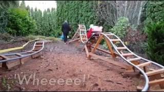 بالفيديو.. جد يحول حديقة منزله لـ