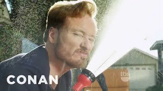 Conan O'Brien TBS Promo: Conan Washes His Desk!