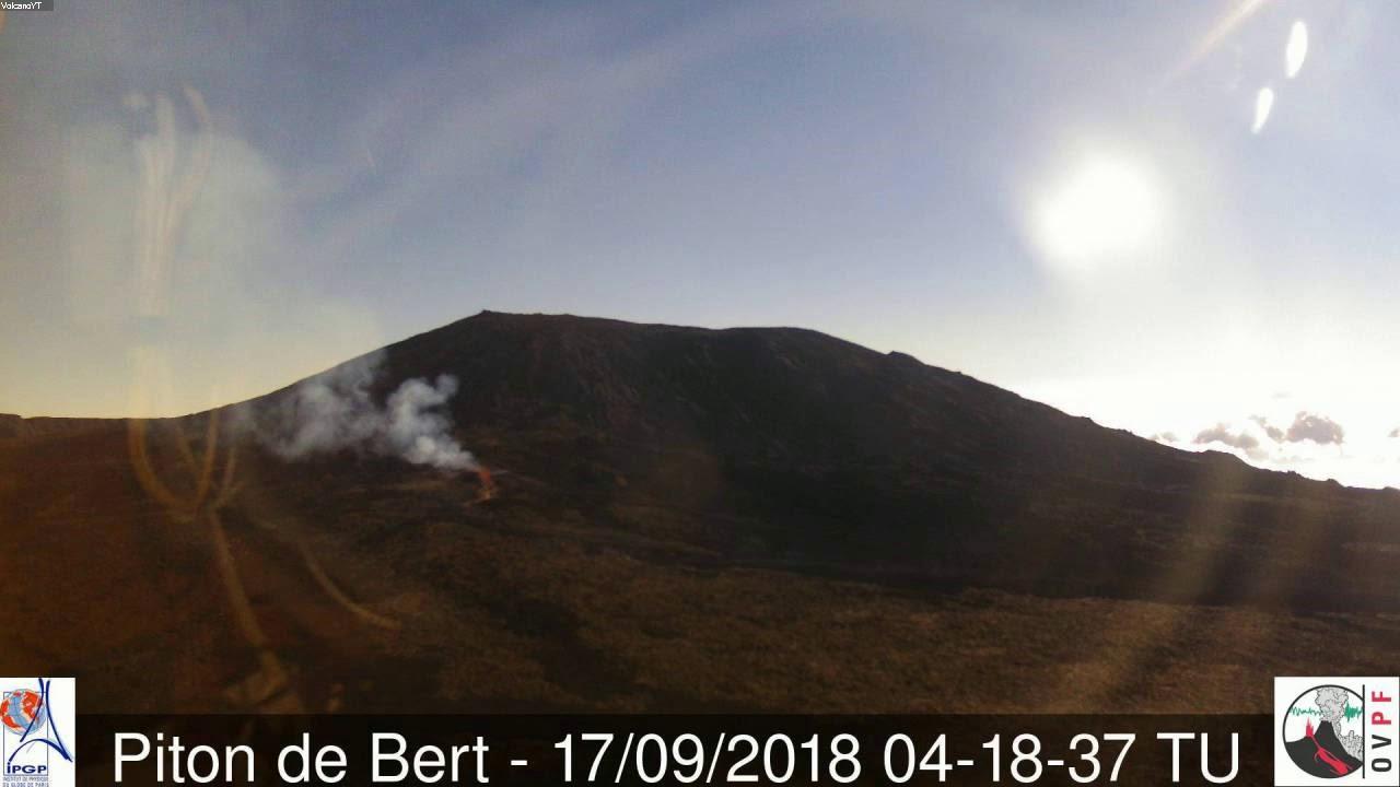 16/9/2018 WITA - Mt Piton de la Fournaise TimeLapse