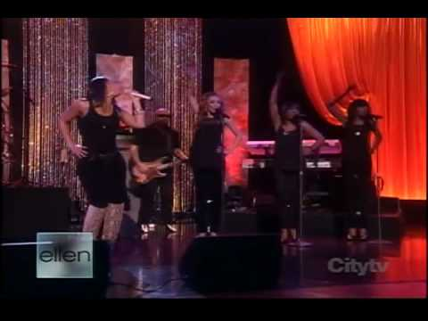 Alicia Keys- Teenage Love Affair (Live Ellen)