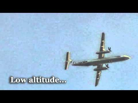 """Flybe Fly-By - 2 Propellers, 4 Trails, Low-Altitude Aerial-Spraying (""""Chemtrails"""")"""