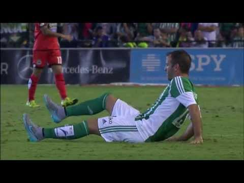 Van der Vaart debuta con el Real Betis