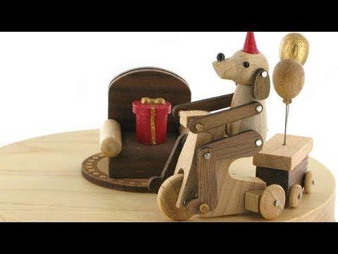 Une magnifique collection de boîtes à musique animées en bois Wooderful life