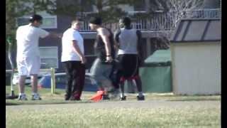 Bodybuilder saves dude from a brutal ass-kicking