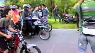 Repeat youtube video RX-KING PACITAN VS RX-KING BATU.....Go....GO....GO.....GO.......