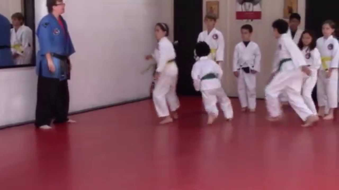 Martial arts lessons for young people. Pre-teen and teens ...