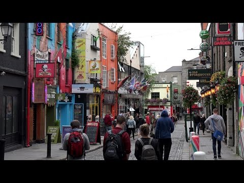 Great Britain '16 - Ireland - Dublin downtown & the Temple Bar district at Liffey river