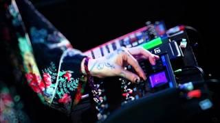 Grimes - Rare & Unknown (Live)