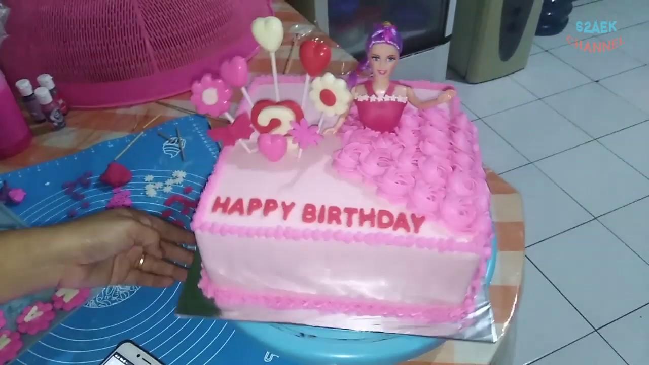 Simpel Menghias Kue Ultah Barbie