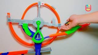 Mainan Mobil Hot Wheels Trek Dinding Car Track Builder