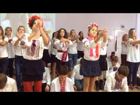 Видео: Лцей 157. Флешмоб Разом збережемо мир