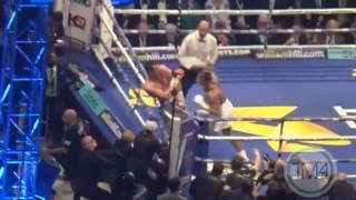 ANTHONY JOSHUA KNOCKS OUT  WLADIMIR KLITSCHKO IN THE 11TH ROUND (TKO)