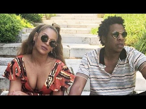 Beyonce Shares RARE Photo of Twins Rumi and Sir While on Vacation