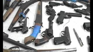 Полиция не скупясь покупает оружие у граждан