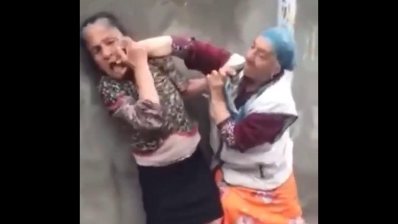 """Výsledok vyhľadávania obrázkov pre dopyt grannies fighting eachother"""""""