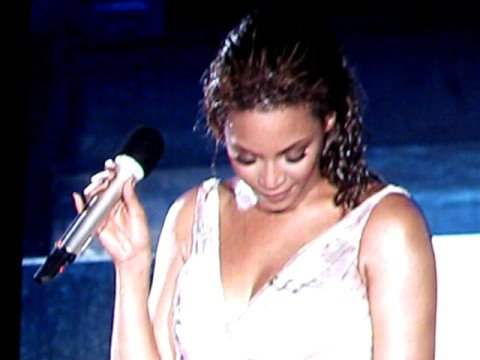 Beyonce in Bermuda  Flaws And All