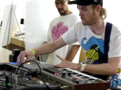 Rusko Live @ WMC 2009 Apple store Miami