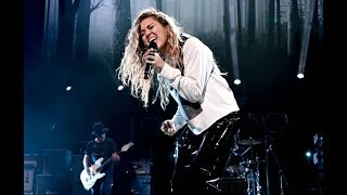 Miley Cyrus with Temple of the Dog - Say Hello 2 Heaven