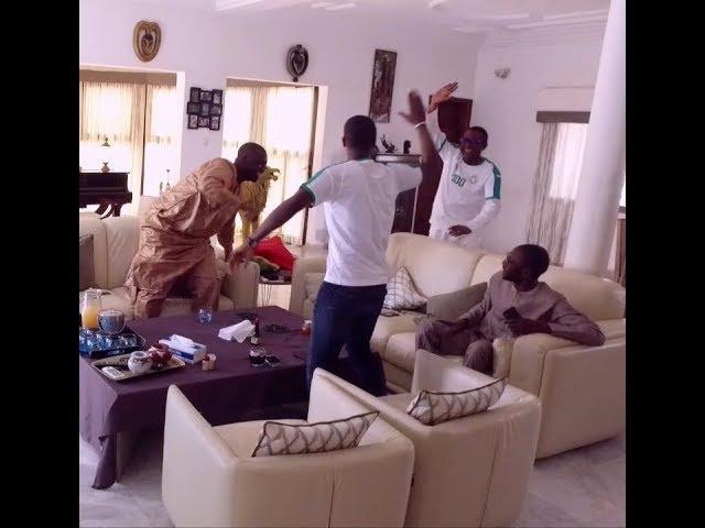 Le Jubilé de YOUSSOU NDOUR chez lui lors du match Sénégal vs Pologne