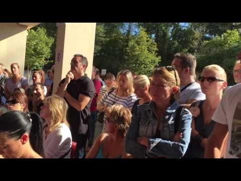 1/5 : Centre de migrants à Forges Les Bains : réunion parents d'élèves (10/09/16)