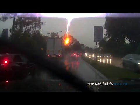 Tree Struck by Lightning Caught on Dashcam
