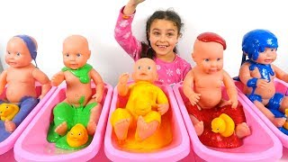 Baby Doll in Slime Bath, Learn colors with  Baby Dols , Baby Doll Bath Time