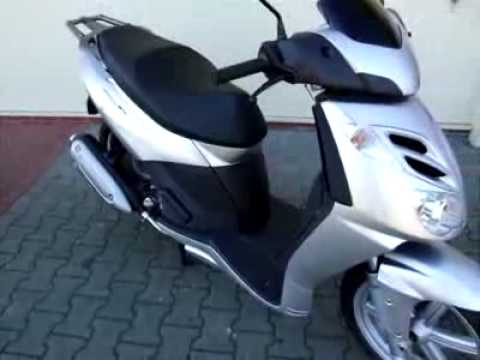 aprilia sportcity 125 cube 10 roller scooter youtube. Black Bedroom Furniture Sets. Home Design Ideas