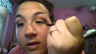 Summer eye look: with a purple eyeliner Thumbnail