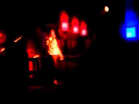 Alexis karaoke en PUB PLAYBAR (tco)