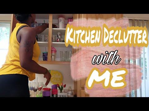 kitchen Declutter// Organizing kitchen cabinets// Motivation Cleaning