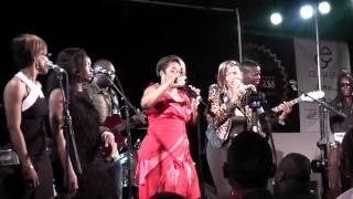 Repeat youtube video Grace Decca & Dora en duo au Concert des 30 ans de carrière de Ben Decca à Nanterre