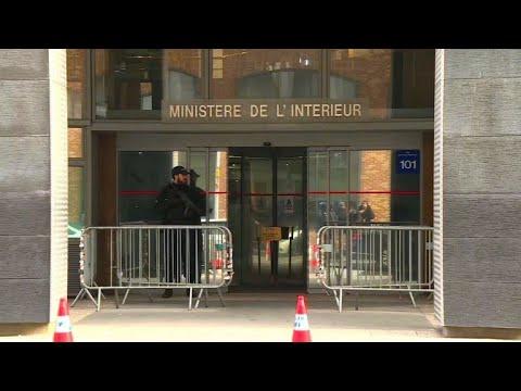 Ex-presidente francês é detido para interrogatório