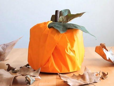 Decoraci n para halloween calabaza con un rollo de papel - Calabazas de halloween manualidades ...