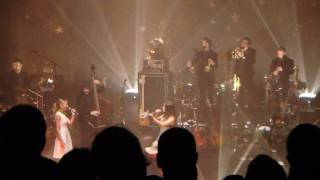 Olivia Ruiz - When the night comes (en duo avec Lonely Drifter Karen) (Live), Olympia