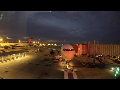 Delta Air Lines 767 ATL to LHR *full flight* w/EXTRAS!