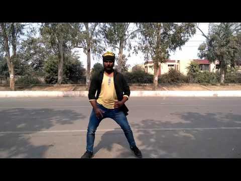Kombu Vecha singam da - on Street - Delhi
