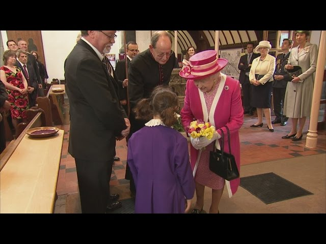 Queen celebrates Berkhamsted School's 475th birthday