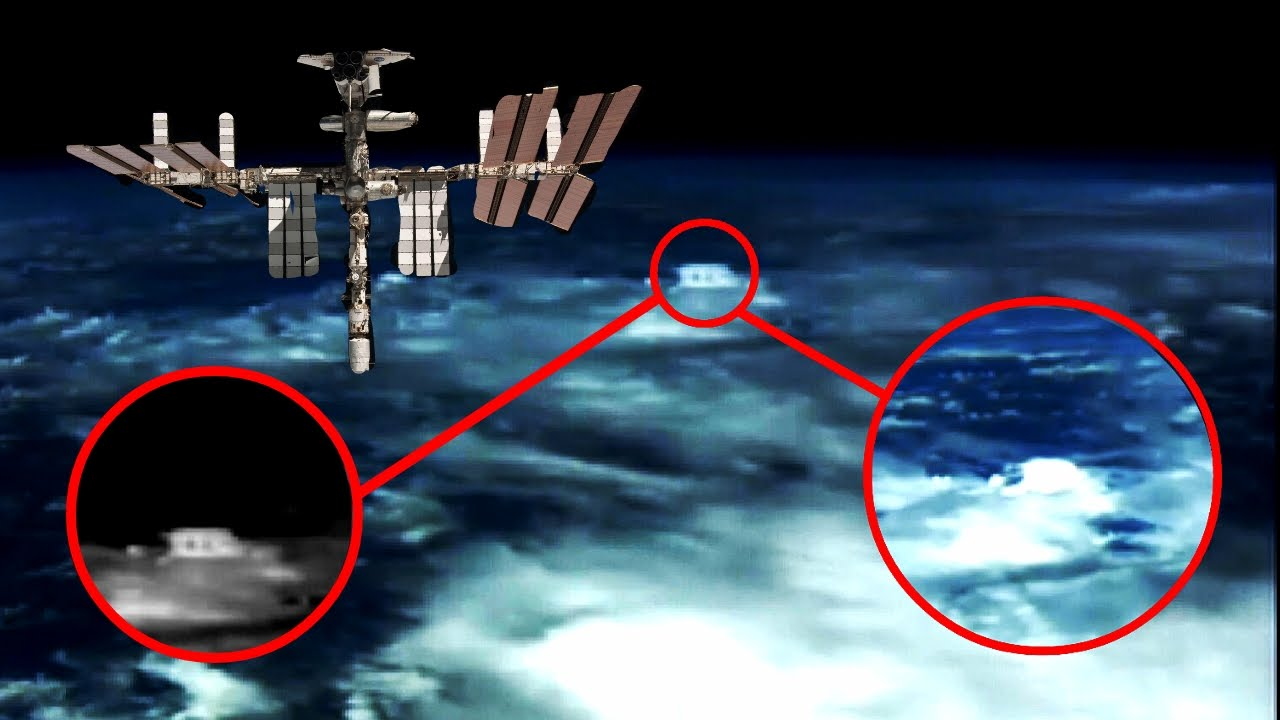 Bizarre UFO Space ship NASA cuts HD live space feed 2017 ...