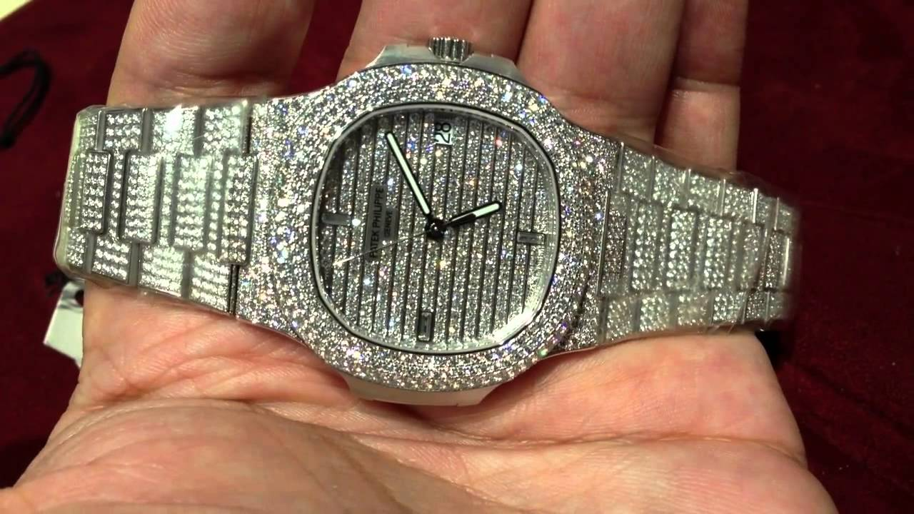 photos officielles 970db f2634 Two White Gold Patek Philippe Watches - $300,000 vs $30,000 - Which is  better?