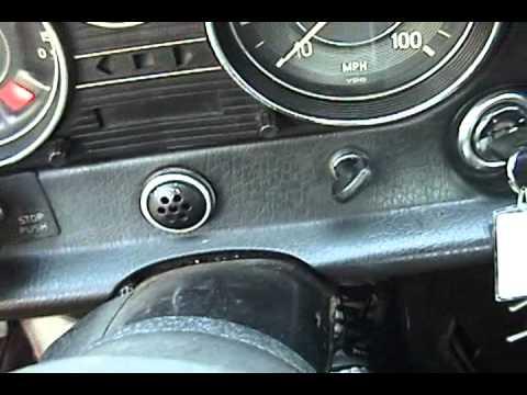 1972 mercedes benz 220d start attempt youtube for Mercedes benz starter