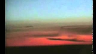 PROJEKT NPN - VIDEO - Obiekt UFO wiszący nieruchomo na niebie..mp4