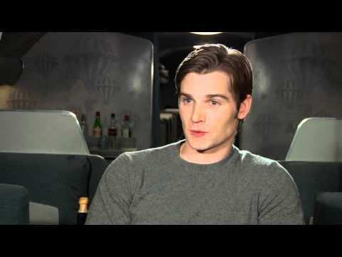 PAN AM: Mike Vogel teases