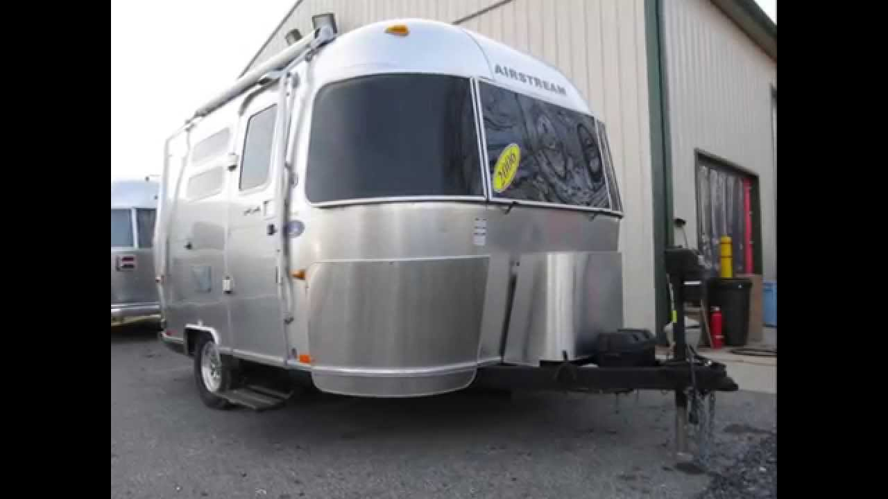used 2006 airstream international quiksilver 16j bambi small beach tropical camping rv trailer. Black Bedroom Furniture Sets. Home Design Ideas