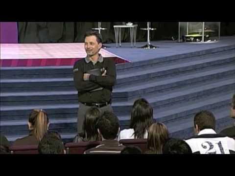 Un buen motivo para triunfar - Pastor Cash Luna (Hechos 29 2009)