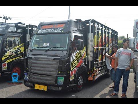 Modifikasi Truk Fuso Canter Scania Black Edition Rajawali Sakti Karoseri
